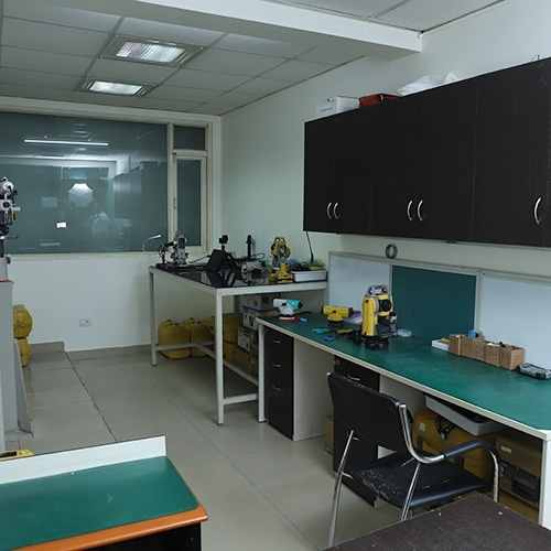 Service Center in India to Repair, Calibrate and Service Total Station, Auto Level and other Surveying Instruments of all brand.